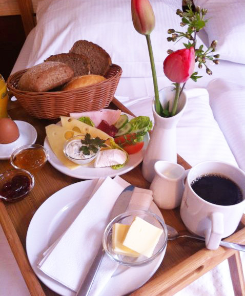 Frühstück Am Bett : fr hst ck im bett ostsee hotel gutshof bastorf gutshof bastorf urlaubsblog ~ A.2002-acura-tl-radio.info Haus und Dekorationen